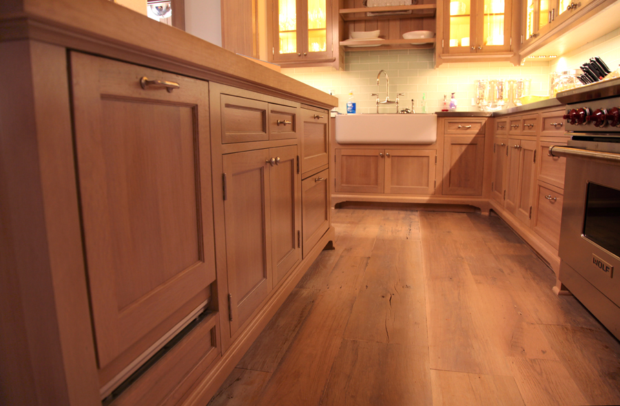 Custom white oak kitchen worth writing home about for Catalyzed lacquer kitchen cabinets