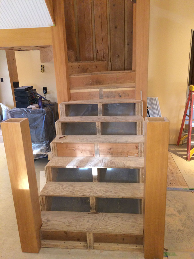 Rough Stair With Newel Boxes 900w