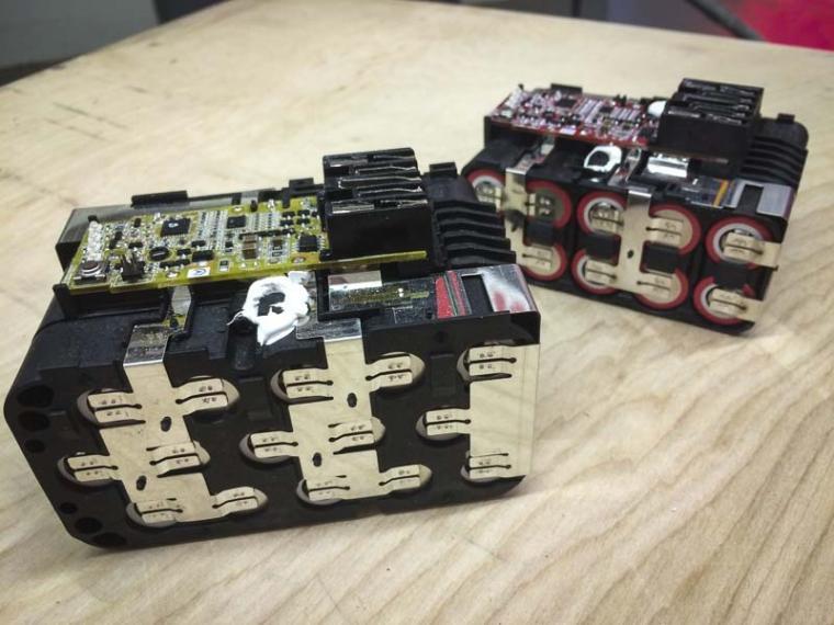 Milwaukee-9.0-Ah-battery-pack-insides.jpg